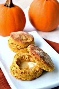 Vegan-Pumpkin-Bisquits (1)