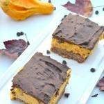Triple Layer Pumpkin Cheesecake Bars - #fall #sugarfree #pumpkin
