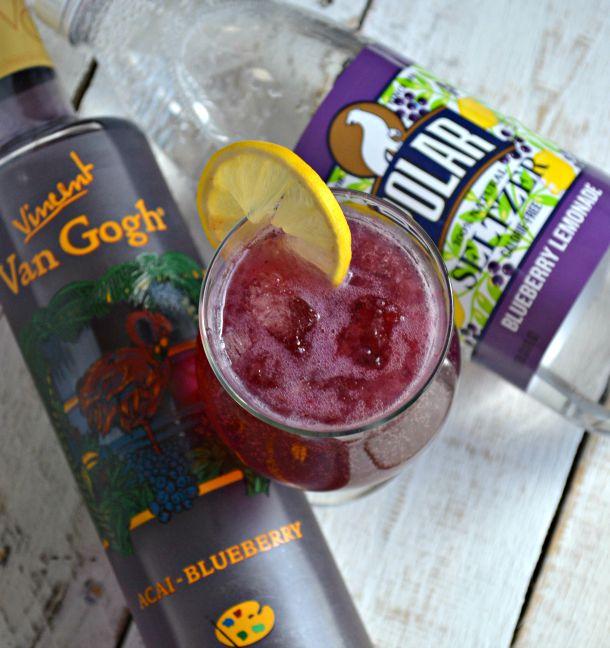 Skinny Blueberry Lemonade Fizz - hero