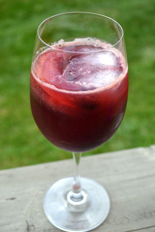 Sparkling Summer Sangria Mocktail 5